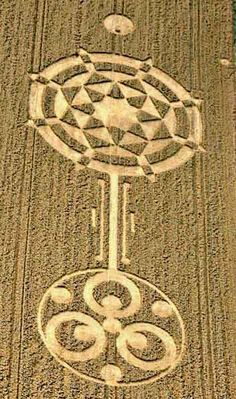 5eff9f9930e1cc7b0243169fee22264e--landart-crop-circles