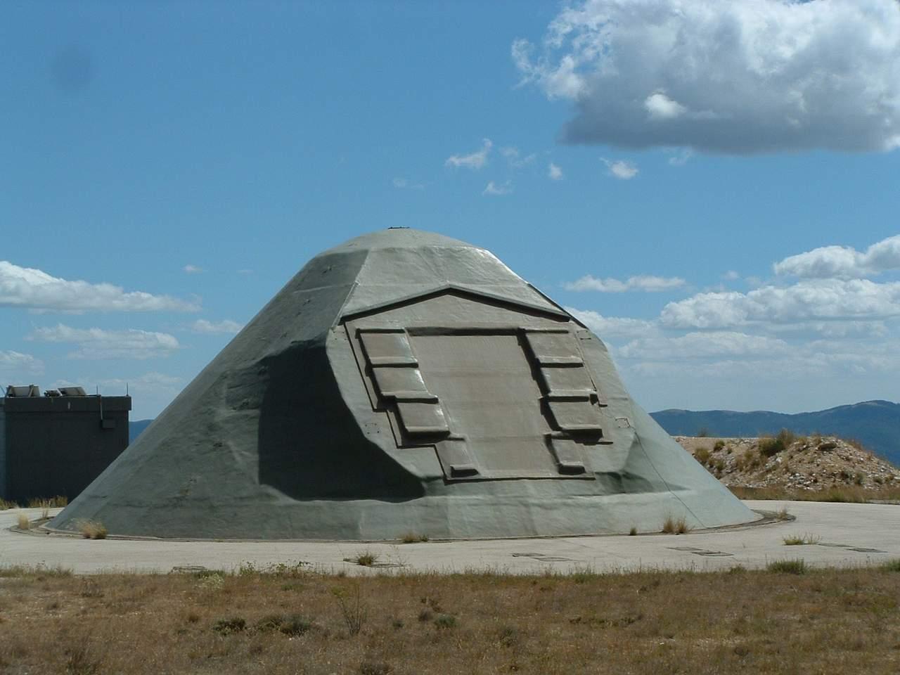 Échanges de tirs entre militaires et Extraterrestres sur le site de lancement des missiles nucléaires d'Albion en France!