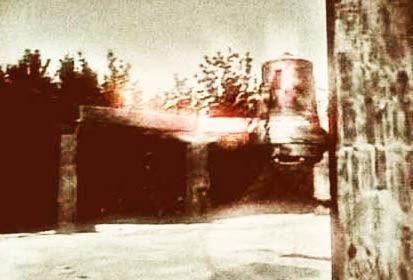Die Glocke : la cloche Nazi anti-gravité du programme Wunderwaffe (en allemand « arme miraculeuse »)