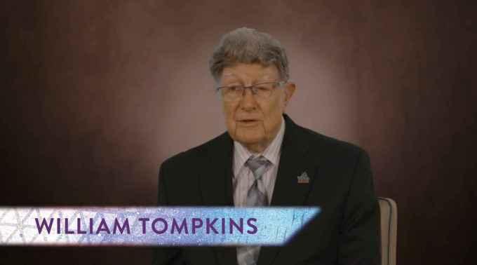 Tompkins révèle un Programme Spatial secret italien et affirme qu'aucun juif n'aurait pu être sélectionné sur une base secrète