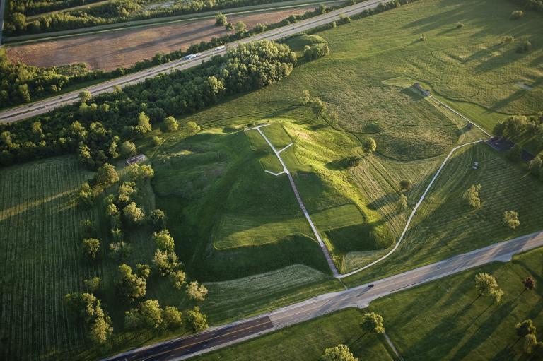 Le mystérieux Tumulus des Moines de la cité de Cahokia… !