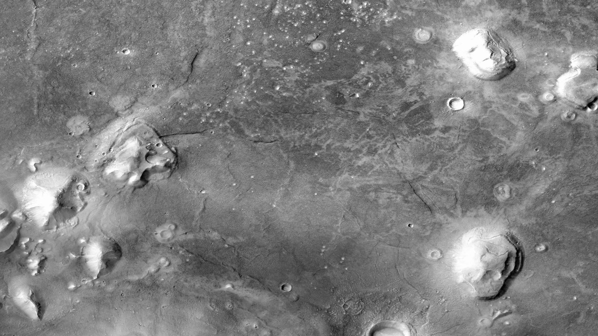 Mars Cydonia Mensae : Ville et pyramide martienne, preuves d'ancienne civilisation