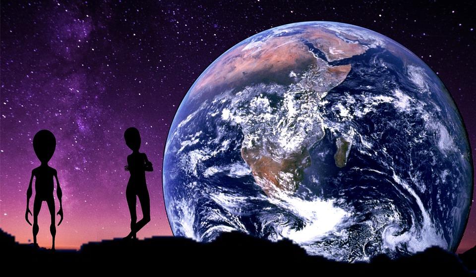 Sphères spirituelles et universalité de l'esprit. Infiltration extraterrestre dans la sphère planétaire au temps de l'Apocalypse et possessions spirituelles.