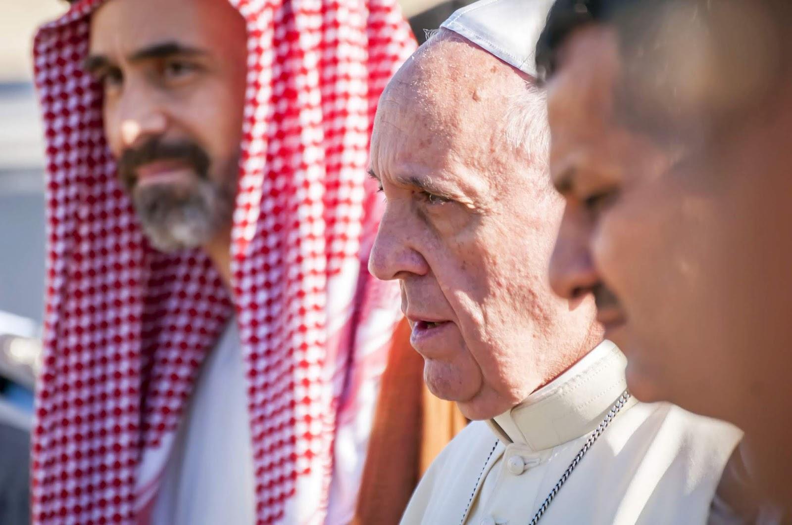 Des preuves suggèrent que le pape François pourrait aider à faciliter les rituels de pédophilie et de satanisme au Vatican