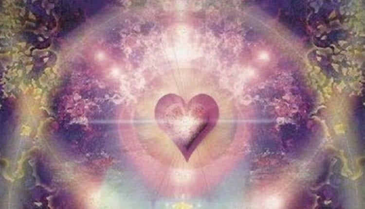 """""""Quand L'Amour Est Perçu À Travers La Lumière De Dieu, Tout Devient Possible"""""""