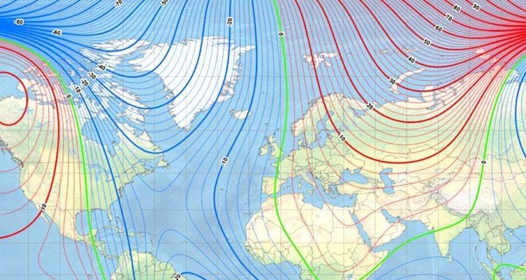 Le pôle Nord magnétique de la Terre continue de dériver rapidement et traverse le premier méridien