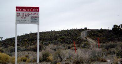 Un travailleur de la Zone 51 affirme qu'il a piloté un OVNI et a voyagé dans le temps : le cas Robert Miller