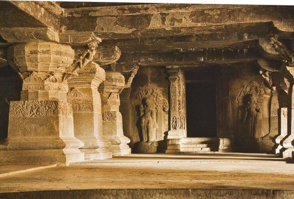 THIS-Temple-Was-Carved-Out-Of-A-Mountain-2-600x407-1