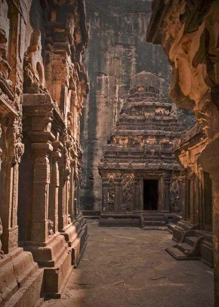 THIS-Temple-Was-Carved-Out-Of-A-Mountain-7-429x600-1