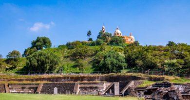 L'une des plus grande pyramide du monde Cholula au Mexique: un site confisqué par l'église et les conquistadors et que l'on ne peut plus fouiller